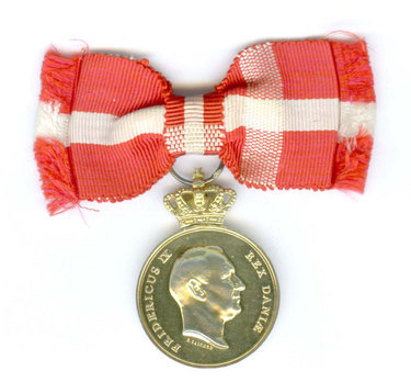 Silver-gilt Medal Obverse with crown