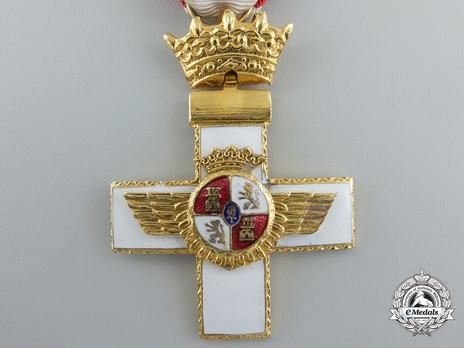 1st Class Cross (white distinction) Obverse