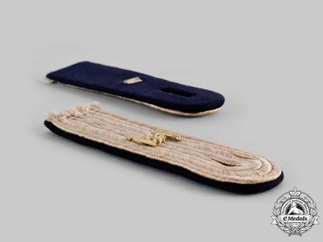 Kriegsmarine Communications Engineering Leutnant Shoulder Boards