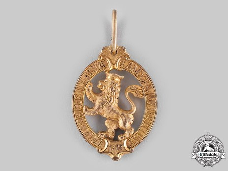 Order of the Golden Lion, Decoration (in bronze gilt)