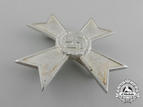 War Merit Cross I Class without Swords, by Deschler (1) Obverse