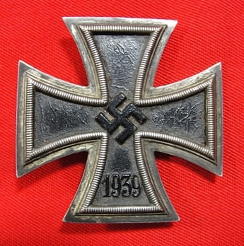 Iron Cross I Class, by B. H. Mayer (unmarked) Obverse