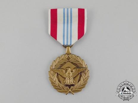 Defense Meritorious Service Medal, Obverse
