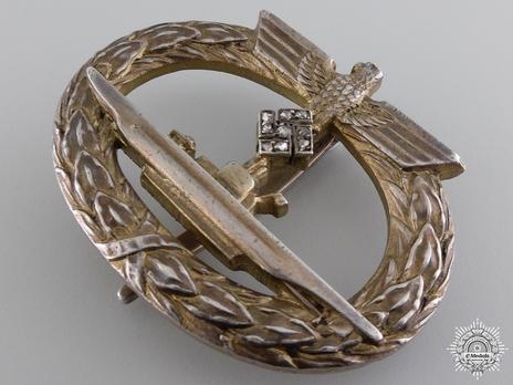 Submarine War Badge with Diamonds Obverse