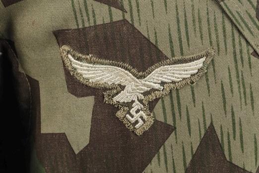 Luftwaffe Paratrooper Smock (3rd model) Eagle Detail