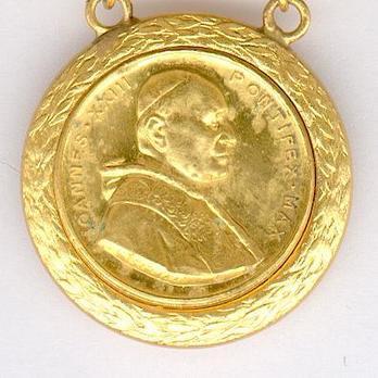 Bene Merenti Medal, Type IX, Gold Medal Obverse