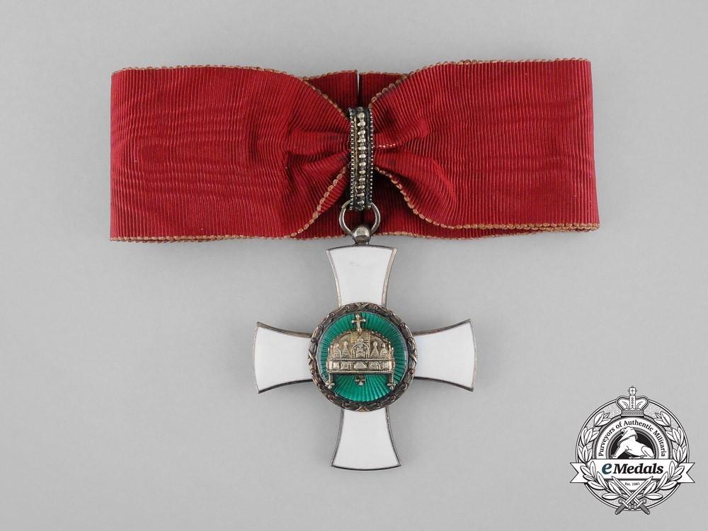 Hungary+holy+crown+commander+civil