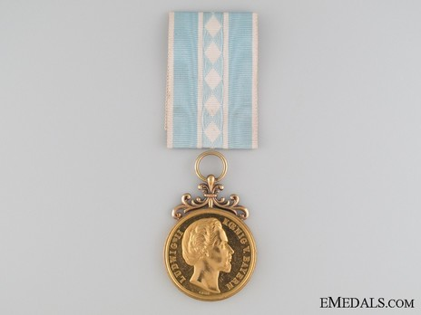 """Ludwig Medal for Arts and Sciences, Gold Medal for Arts and Sciences (stamped """"J.RIES"""" """"VOIGT"""") Obverse"""