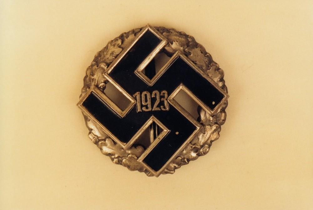 General+gau+honour+badge%2c+in+gold