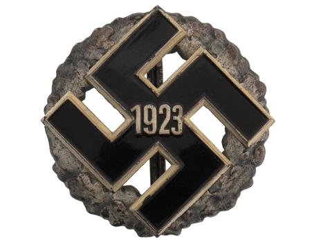 General Gau Honour Badge, in Silver (1923) Obverse