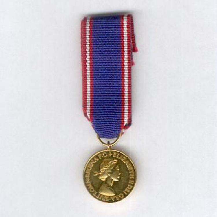 Miniature gold medal 1952 obverse 1