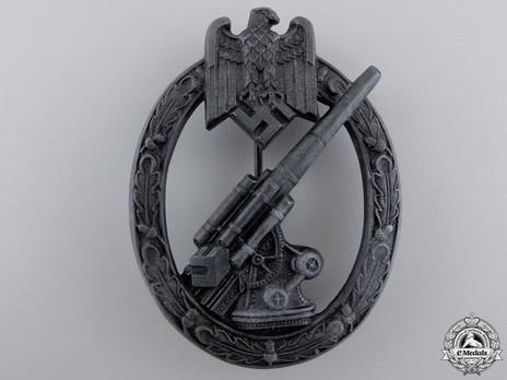 Army Flak Badge, by H. Aurich Obverse