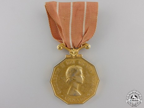 Canadian Forces' Decoration, Type II (with young profile wearing laurel wreath crown) Obverse