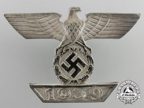 Clasp to the Iron Cross I Class, Type II, by B. H. Mayer (version A) Obverse