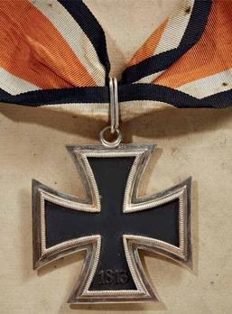 Knight's Cross of the Iron Cross, by C. E. Juncker (L/12 800) Reverse
