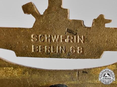 Submarine War Badge, by C. Schwerin Detail
