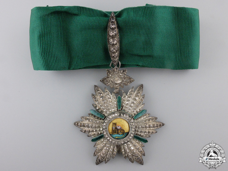 III Class Commander (with couchant lion) Obverse
