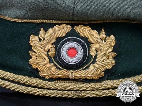 German Army General's Post-1943 Visor Cap (with cloth insignia) Wreath & Cockade Detail