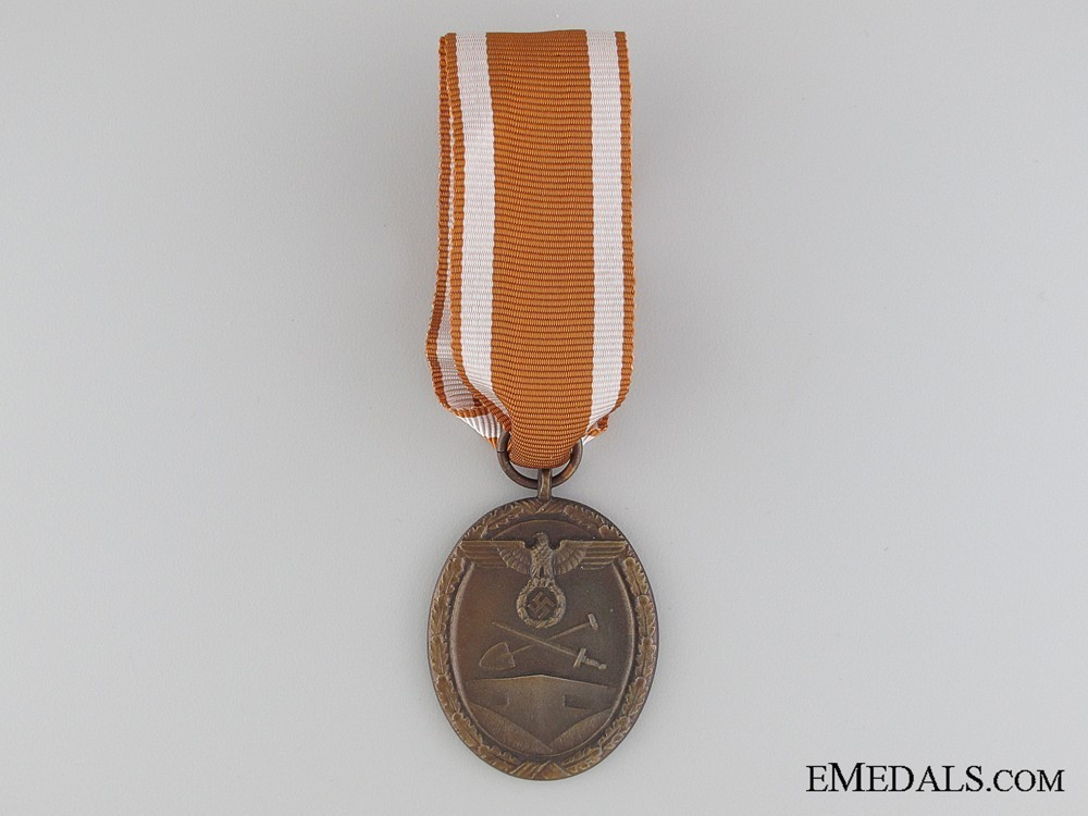 West+wall+medal+1