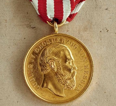 General Honour Decoration for Art, Science, Industry, and Agriculture, Type II, Gold Medal (in gold)