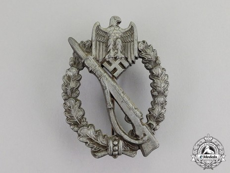 Infantry Assault Badge, by K. Wurster (in silver) Obverse