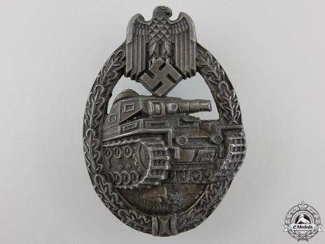 Panzer Assault Badge, in Bronze, by Unknown Maker: EWE Obverse