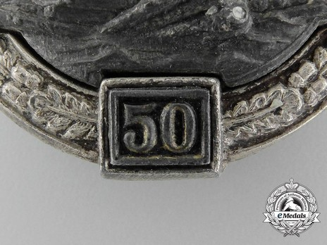 "Panzer Assault Badge, ""50"", in Silver (by Juncker) Detail"
