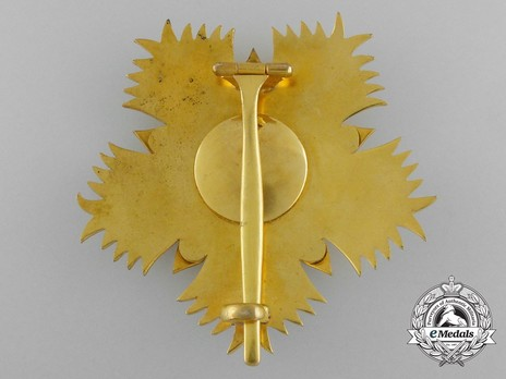 Order of the Throne, Grand Officer Breast Star Reverse