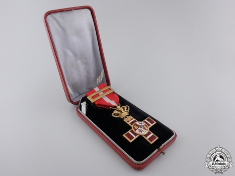 1st Class Cross (red distinction) (gold) (Jolo) Obverse
