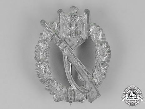 Infantry Assault Badge, by Hymmen (in silver) Obverse