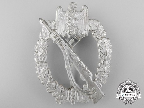 Infantry Assault Badge, by B. H. Mayer (in silver) Obverse