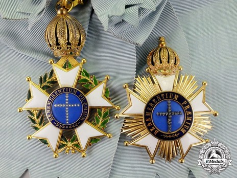 Grand Cross Breast Star Details