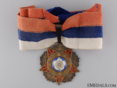 Army, Navy and Air Force Medal, I Class, II Grade Obverse