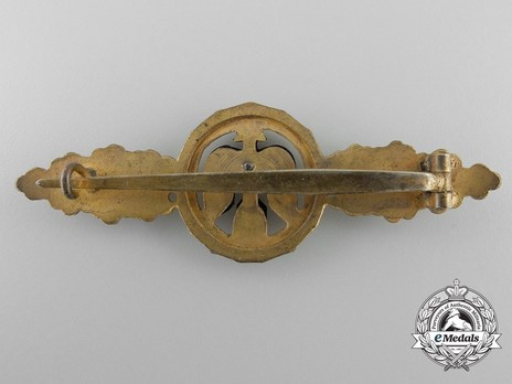 Short-Range Day Fighter Clasp, in Gold Reverse