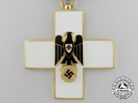 Cross of Honour of the German Red Cross, Type III Obverse