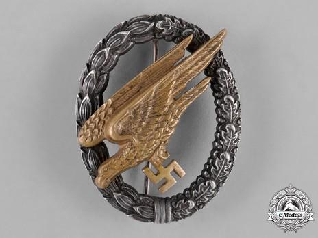 Luftwaffe Paratrooper Badge, by Brüder Schneider Obverse