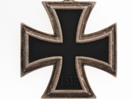 Knight's Cross of the Iron Cross, by C. E. Juncker (upright 2) Reverse