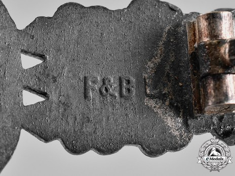Bomber Clasp, in Silver (in zinc) Detail