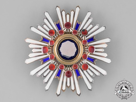 Order of the Sacred Treasure, I Class Breast Star Obverse