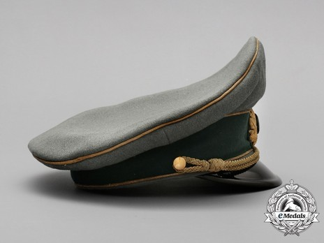 German Army General's Post-1943 Visor Cap (with cloth insignia) Right Side