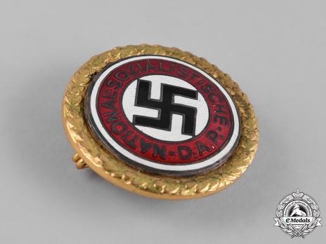 NSDAP Golden Party Badge, Large Version (by Deschler) Obverse