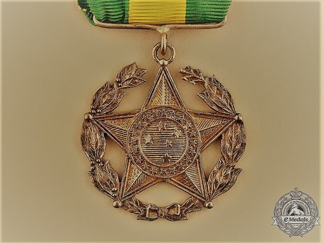 Military Long Service Medal, Gold Medal Obverse