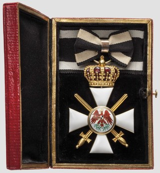 Type V, Military Division, III Class Cross (with crown & swords, in gold) Obverse