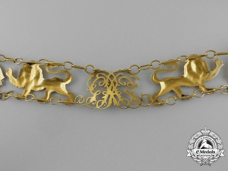 Gold Collar (in gold) Reverse Detail