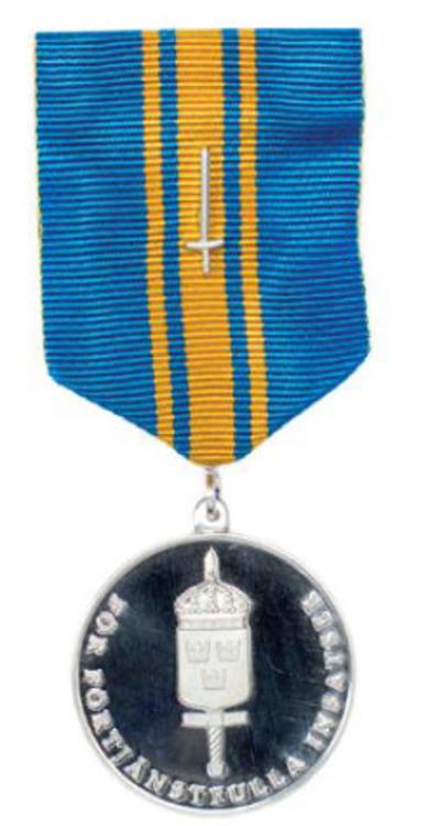 Forsvarsmaktens fortjanstmedalj i silver med svard1