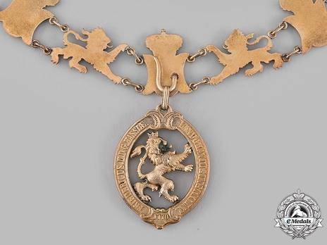 Collar Badge (in silver gilt) Reverse