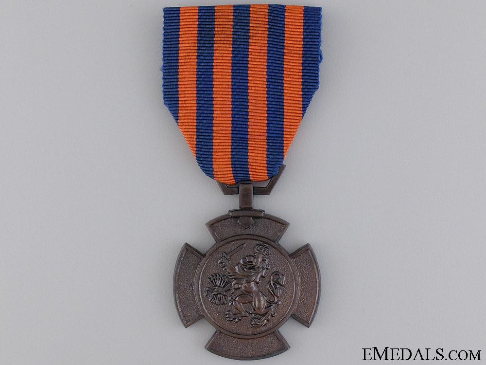 A  bronze lion o 543e86b7233a3