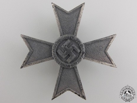 War Merit Cross I Class without Swords, by W. Deumer (3) Obverse
