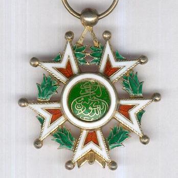 Order of the Brilliant Star of Zanzibar, Type VIII, V Class Knight Reverse