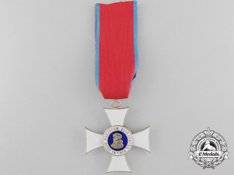 I Class Knight's Cross (in gold) Obverse
